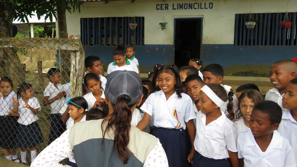 Children at Limoncillo giving us a warm welcome